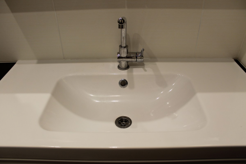 How To Clean A Bathroom Sink Drain Overflow Hole